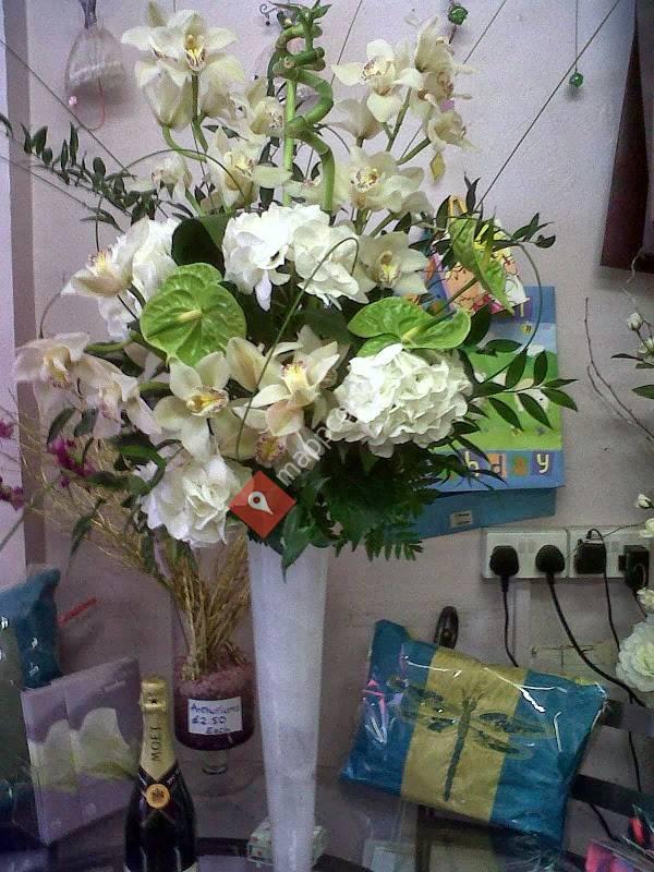 Hearts & Flowers Florist