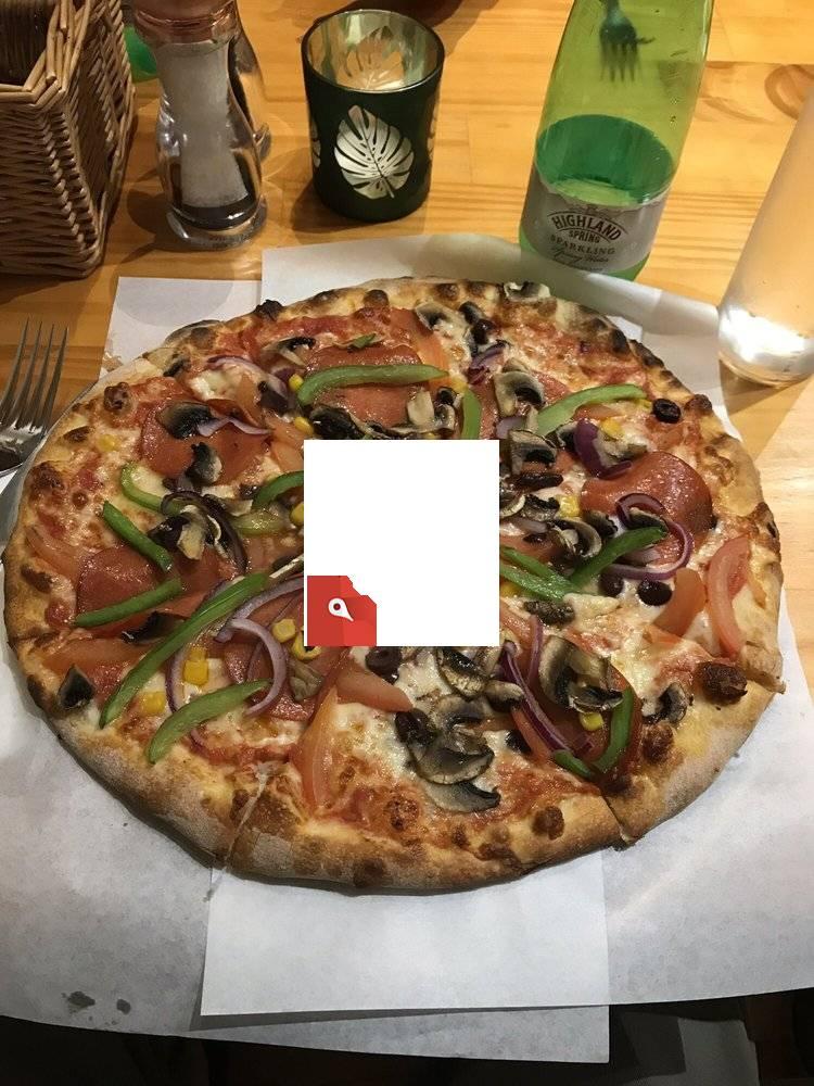 Makkie's Pizza